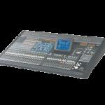 Console numérique de sonorisation, 48 voies mono, 4 voies stéréo, 24 bus de sorties et 8 sorties matrice en plus des généraux stéréo..